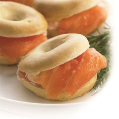 203331C Smoked Salmon & Cream Cheese Bagels (Frank Dale)