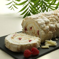 204890C Raspberry & White Chocolate Meringue Roulade (Menuserve)