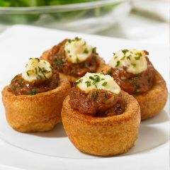 203093C Mini Yorkshire Puddings with Beef & Horseradish (Frank Dale)