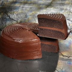 203468C Chocolate Fudge Cake (Classic Desserts)