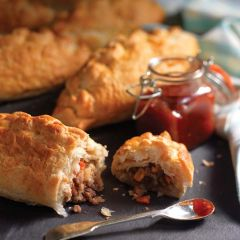 200346C Baked Beef & Vegetable Pasty (Wrights)